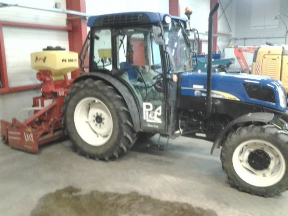 Zaaimachine New Holland 4050 Pieter Langendoen BV